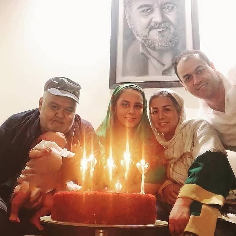 akbar-abdi-family