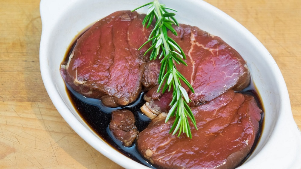 Overnight-steak-marinade-700x465