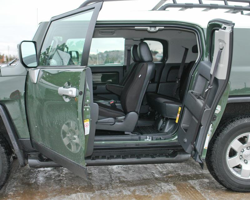 Toyota-FJ-Cruiser-clamshell-doors