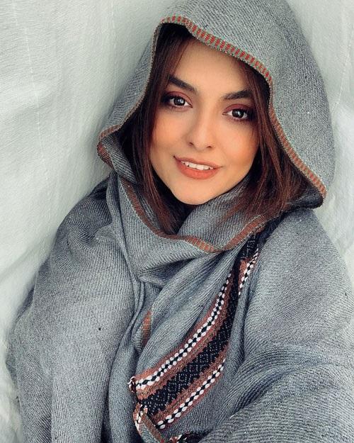biography-donya-madani-pendarmovie-com-17