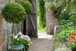 ایده هایی جذاب برای زیبا تر کردن باغچه