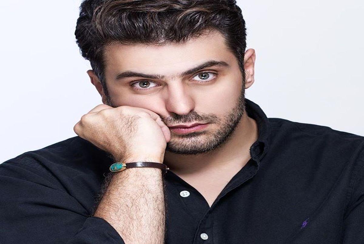 عکس عاشقانه علی ضیا با گوشی لاکچری/ مخاطب خاص علی ضیا کیست؟